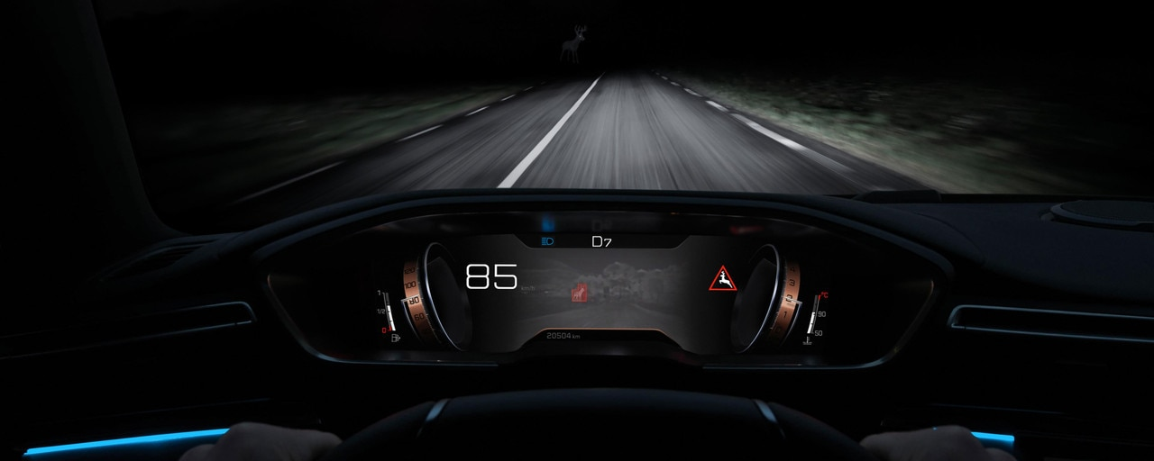 Uue PEUGEOT 508 SW Night Vision tehnoloogia parema nähtavuse tagamiseks pimedaajal